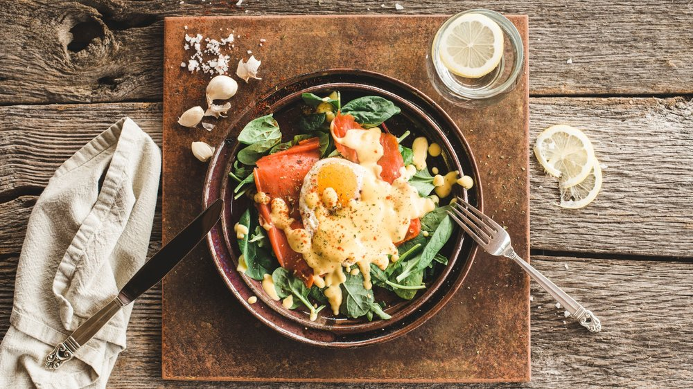 EGGS-&-GREENS-WITH-SMOKED-SALMON--+--TURMERIC-DRESSING.jpg