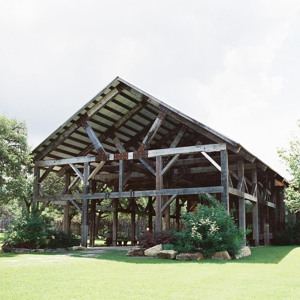 the creek Haus hill country wedding venue with lodging