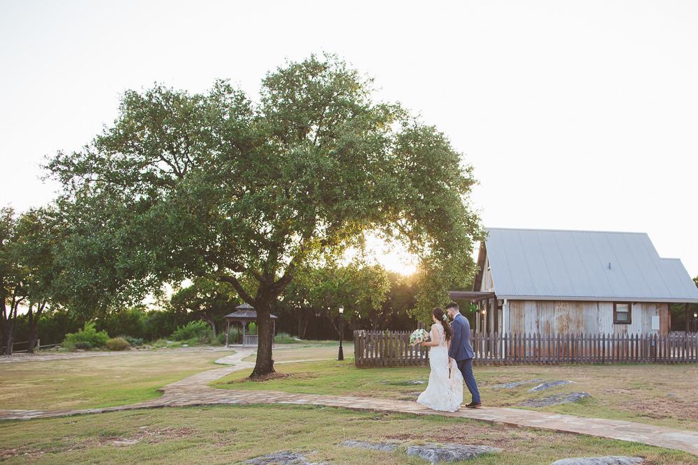 heritage-haus-austin-wedding-venue-rustic-elegant-traditional-church-wedding-hill-country-barn
