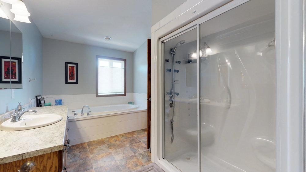 Master Bathroom(1).jpg
