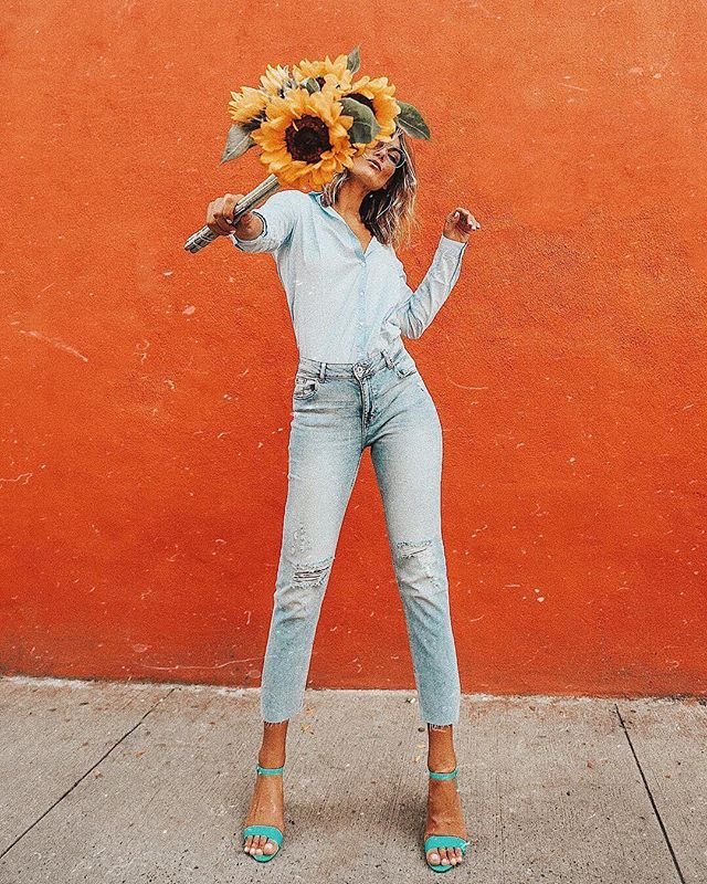 @HM x @WhoWhatWear: For the Denim installment of our year long partnership with @HM we worked with @tezzamb to create eye-catching, scroll-stopping imagery in a head to toe @HM Denim look. The post was also the top performing post on her feed across organic and sponsored content for that week.  Influencers: @tezzamb ⠀⠀⠀⠀⠀⠀⠀⠀⠀ #inwithinf ##HMxME