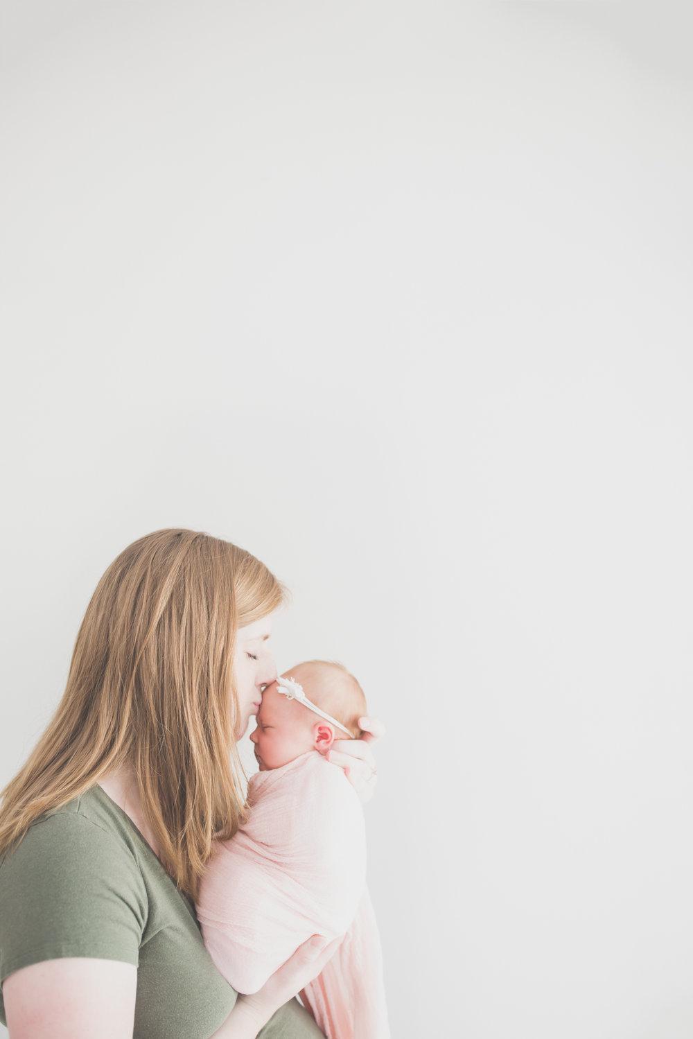 Oaklinn Newborn Studio Session Cara Peterson Photography Rockford IL -11.jpg