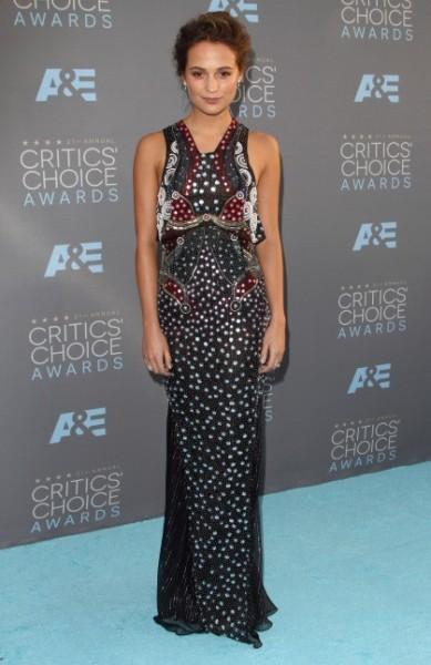 Alicia Vikander Critics