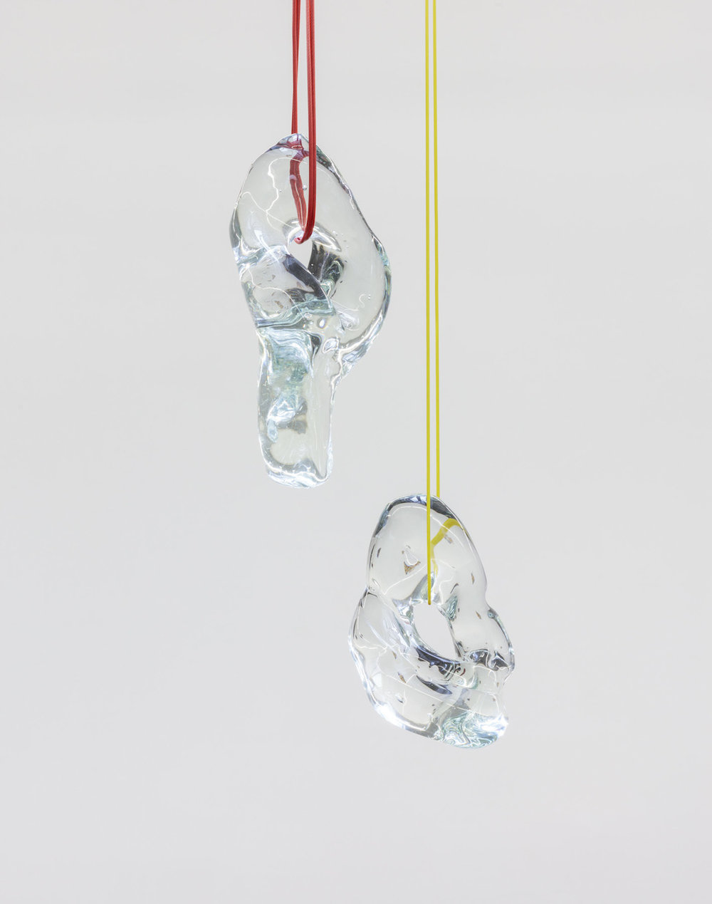 Kate Newby,  Better looking at it than looking for it , 2018, Glass, wire, Dimensions variable