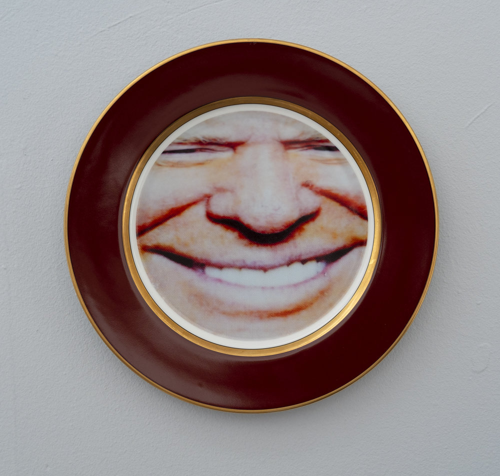 Bean Gilsdorf,  Donald Trump , 2018, Ceramic plate, 10.25 inch diameter