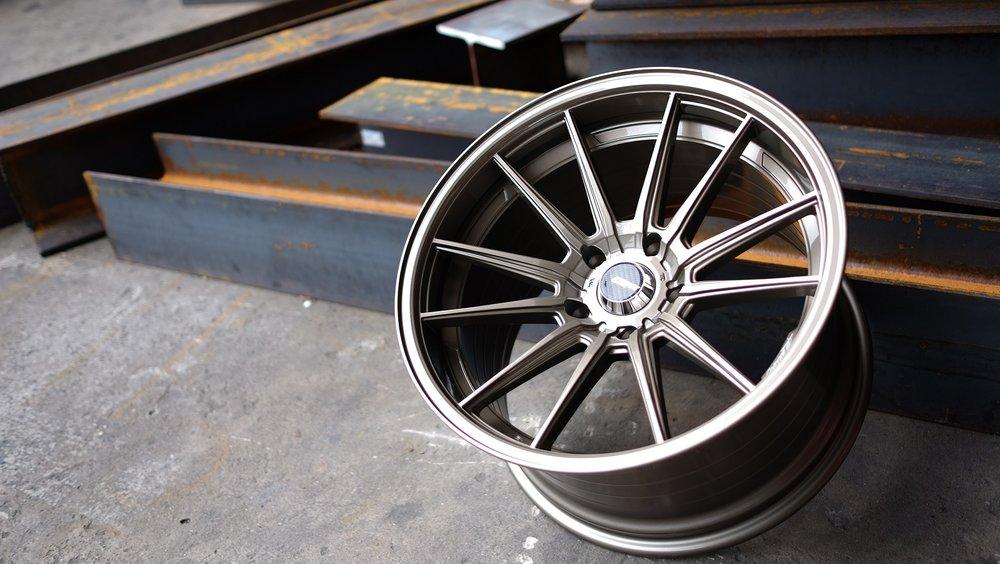 Cosmis Racing Wheels R1 Pic 3.jpg