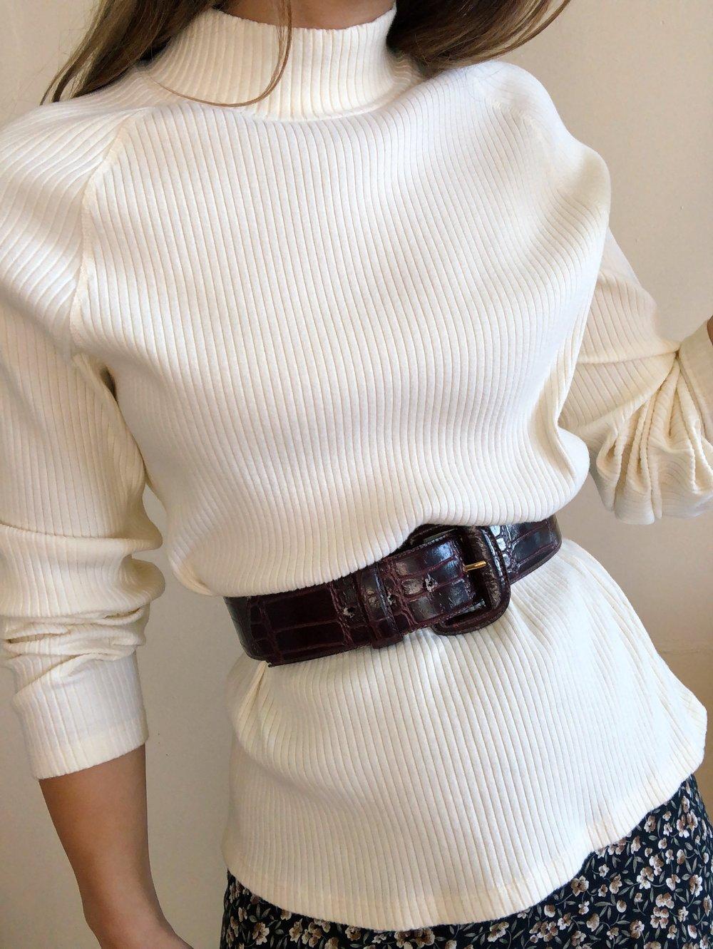 Vintage Cozy Buttercream Sweater -