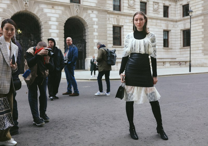 11-london-streetstyle-f19-phil-oh.jpg