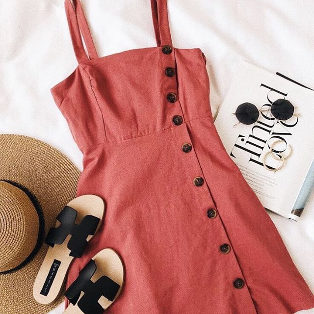 Anyone else trying to soak up every last minute of summer? 🧜♀️👒☀️🏄🏽♀️🏖🎡 ✨REMINDER✨  Our style course starts August 27th— register now to guarantee placement! Link in bio or visit https://etchimage.com/courses/ use code ETCH20 to get 20% off your course!  #layflat #ootd #fashionable #fashionista #beauty #fashionstyle #savvyshopper #fashiongram #fashiondaily #fashion #shopping #fashionblogger #fashionpost #lifestyle #fashionblog #fashiondiaries #fashionaddict #style #stylecourse #personalstylist #onlinestylist #imageconsultant #etchimage