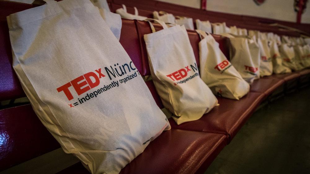151110-14-04-06_TEDx_munich_hires.jpg