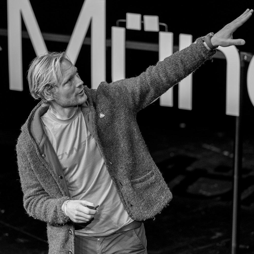 Benedikt Böhm - Live intensively