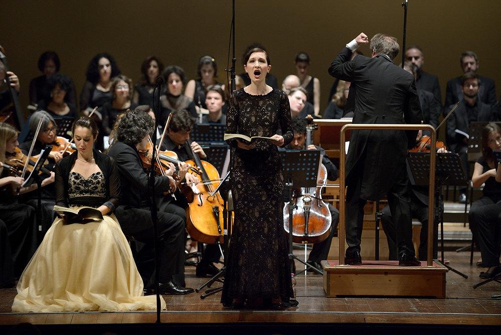 "G. F. Händel - ""Messiah"" - Roland Böer - Orchestra Leonore"