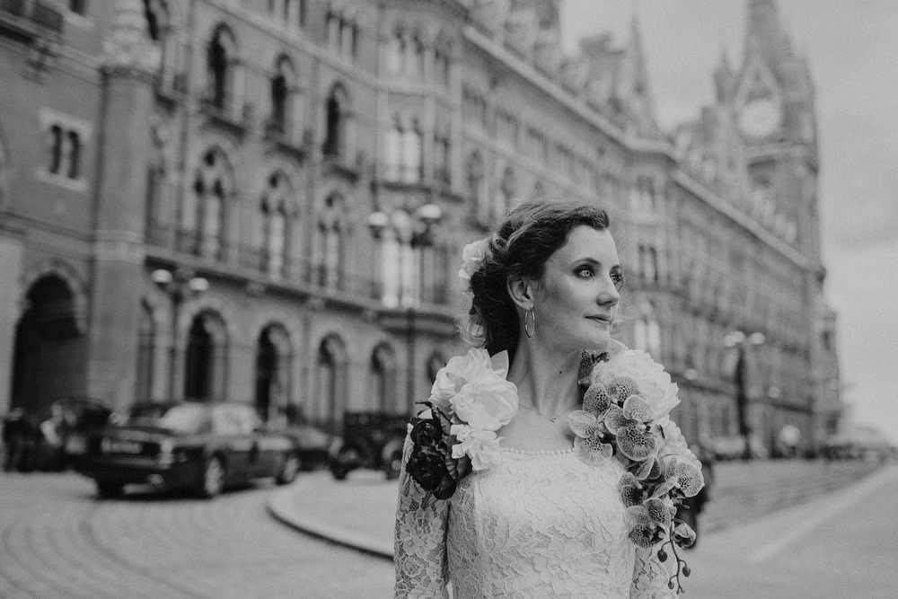 St-Pancras-wedding-photographer-london-075.jpg