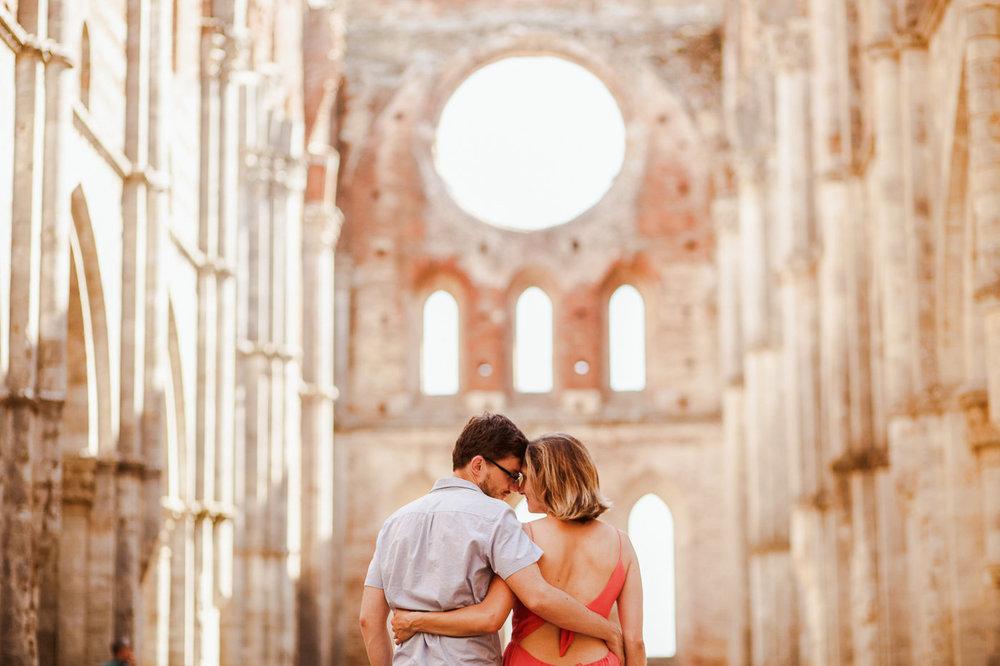 pre-wedding-photography-tuscany-9.jpg