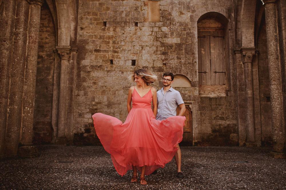 pre-wedding-photography-tuscany-12.jpg