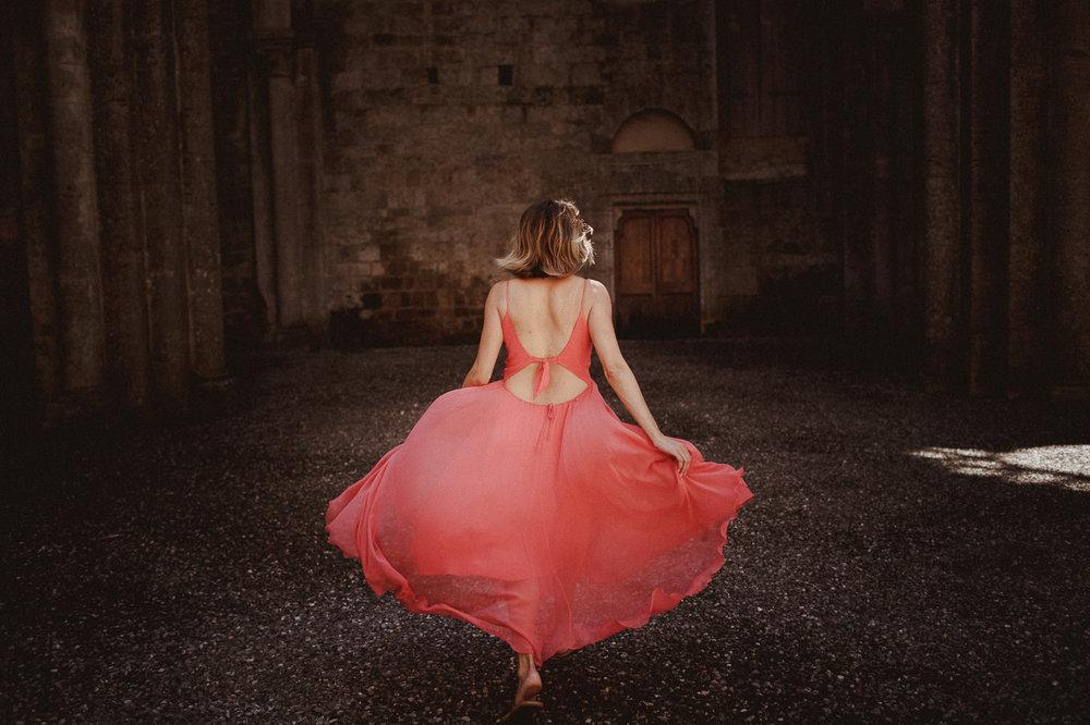 pre-wedding-photography-tuscany-13.jpg