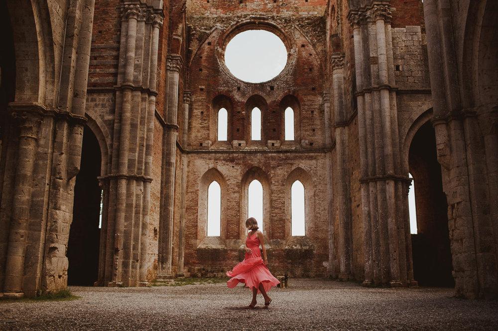 pre-wedding-photography-tuscany-16.jpg