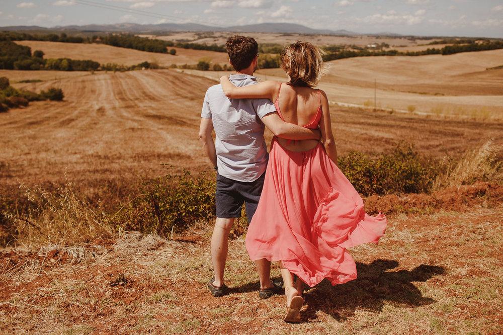 pre-wedding-photography-tuscany-21.jpg