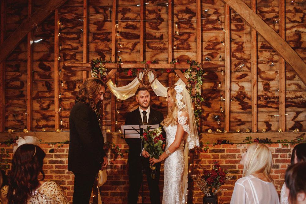 alternative-wedding-photographer-motiejus-21.jpg