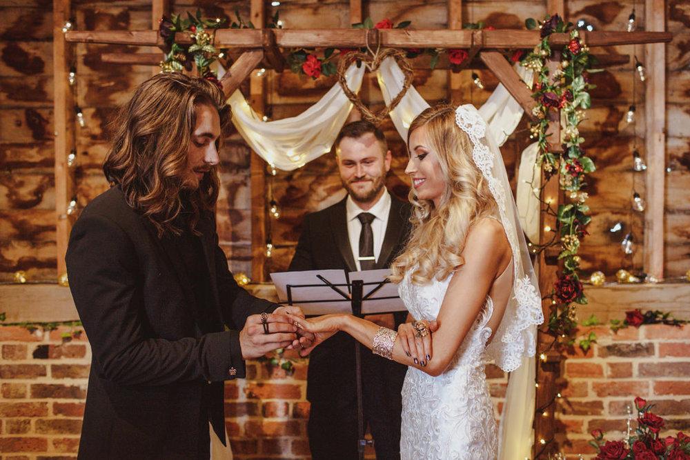 alternative-wedding-photographer-motiejus-25.jpg