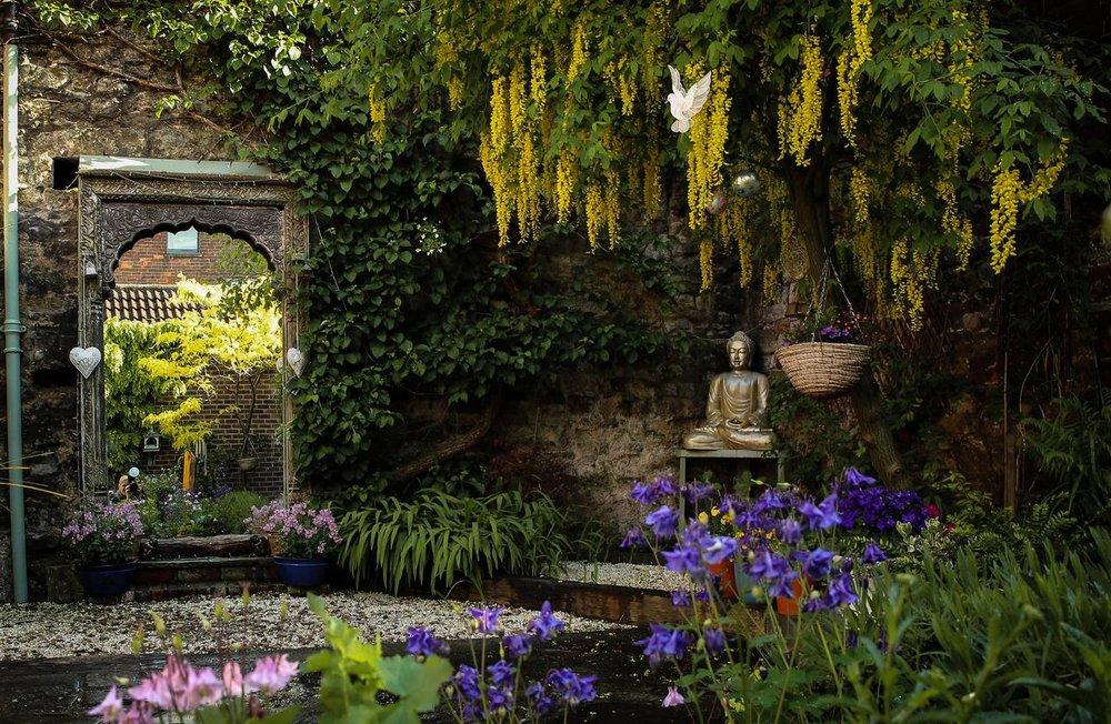 Sacred-Garden-Glastonbury-Yoga-Retreat-5.jpg