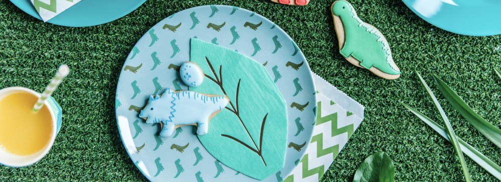 Hire kids party tableware from Make It Pop