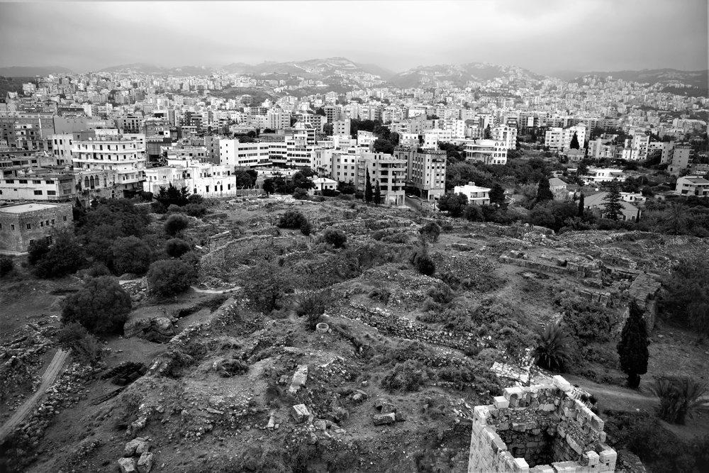 Ausblick von der Zitadelle auf den neuen Teil von Byblos.
