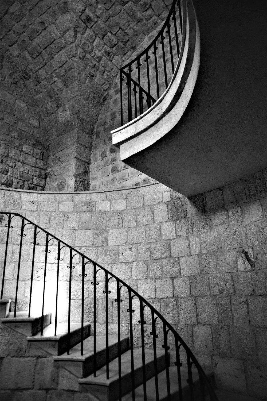Treppenaufgang zurück zum Empfang der hübschen Ixir Winery.