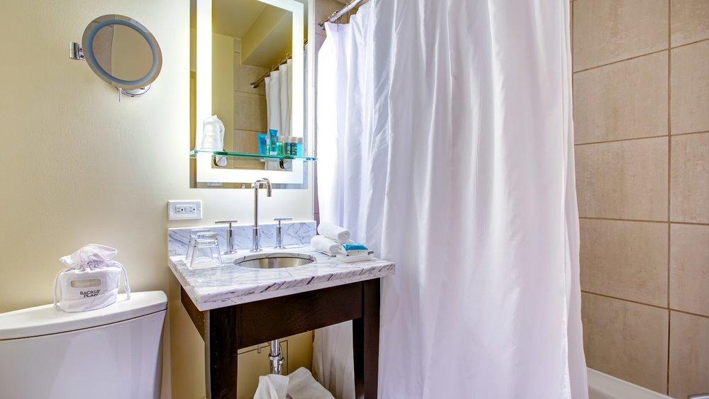 Cozy Queen Bathroom.jpg
