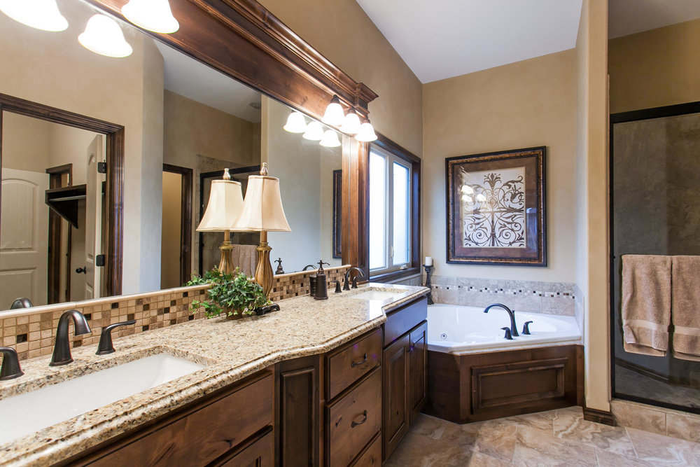 14706 W Valley Hi-large-015-15-Master Bath-1500x1000-72dpi.jpg