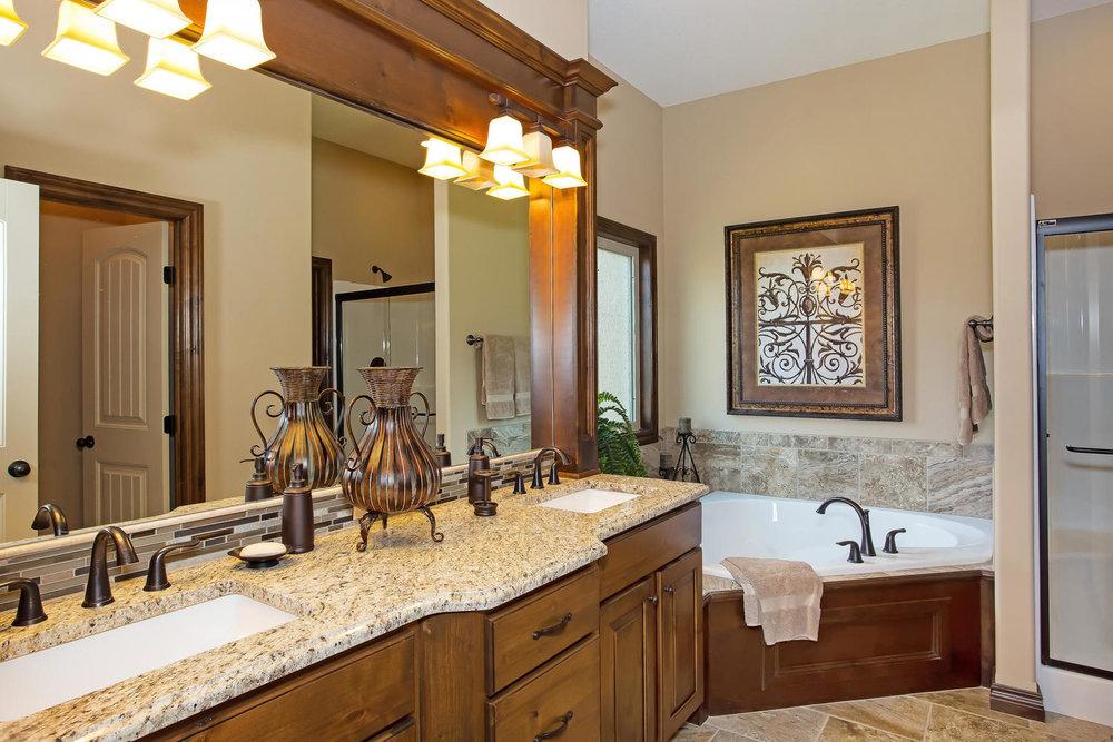 111 N City View St Wichita KS-large-011-Master Bath-1500x1000-72dpi.jpg