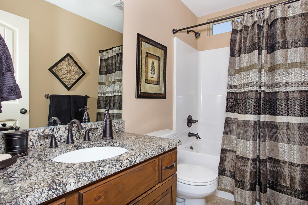 111 N City View St Wichita KS-large-020-Bathroom-1500x1000-72dpi.jpg