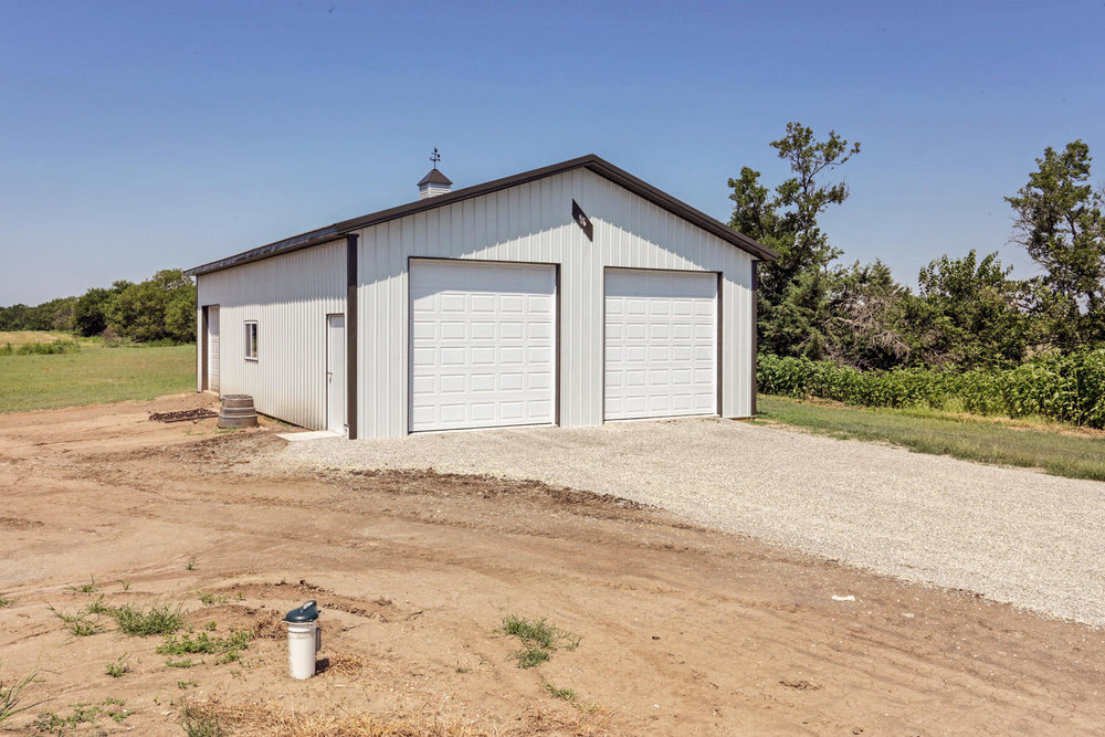 123 Anywhere St Clearwater KS-large-003-3-Garage-1500x1000-72dpi.jpg