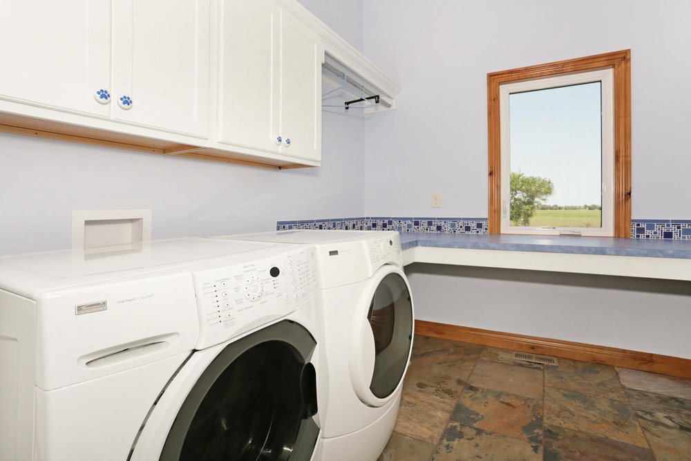 123 Anywhere St Clearwater KS-large-020-20-Laundry Room-1500x1000-72dpi.jpg