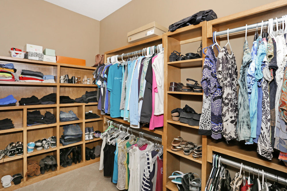 123 Anywhere St Clearwater KS-large-029-29-Master Closet-1500x1000-72dpi.jpg