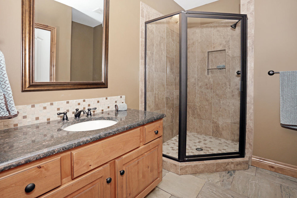 123 Anywhere St Clearwater KS-large-048-48-Downstairs Bathroom 2-1500x1000-72dpi.jpg