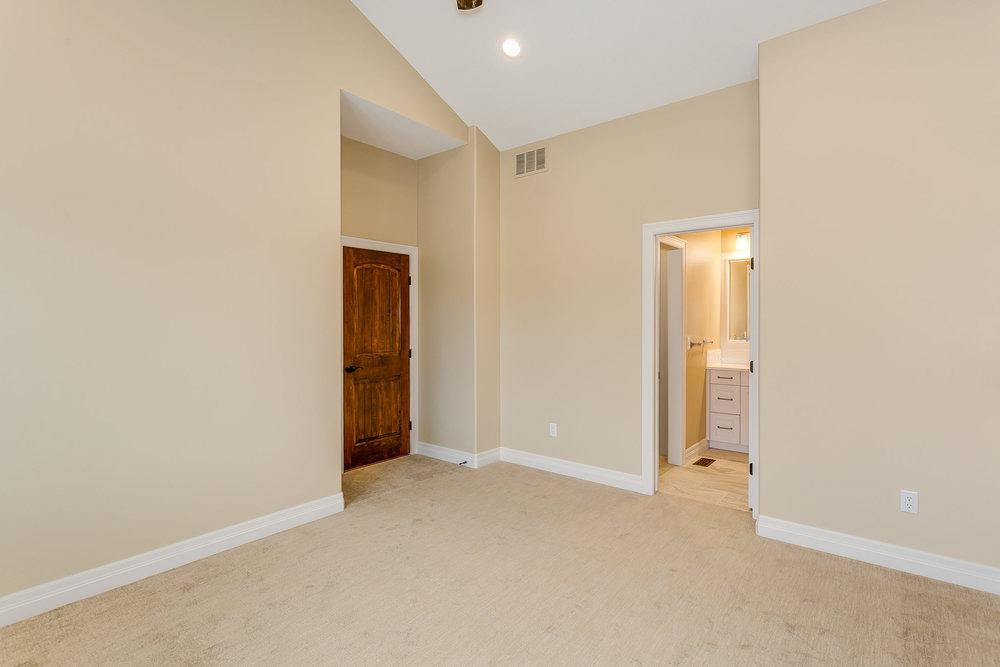 546 Anywhere St Wichita KS-print-030-22-Bedroom 2-2500x1667-300dpi.jpg