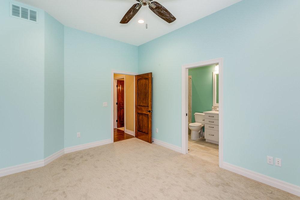 546 Anywhere St Wichita KS-print-034-24-Bedroom 3-2500x1667-300dpi.jpg