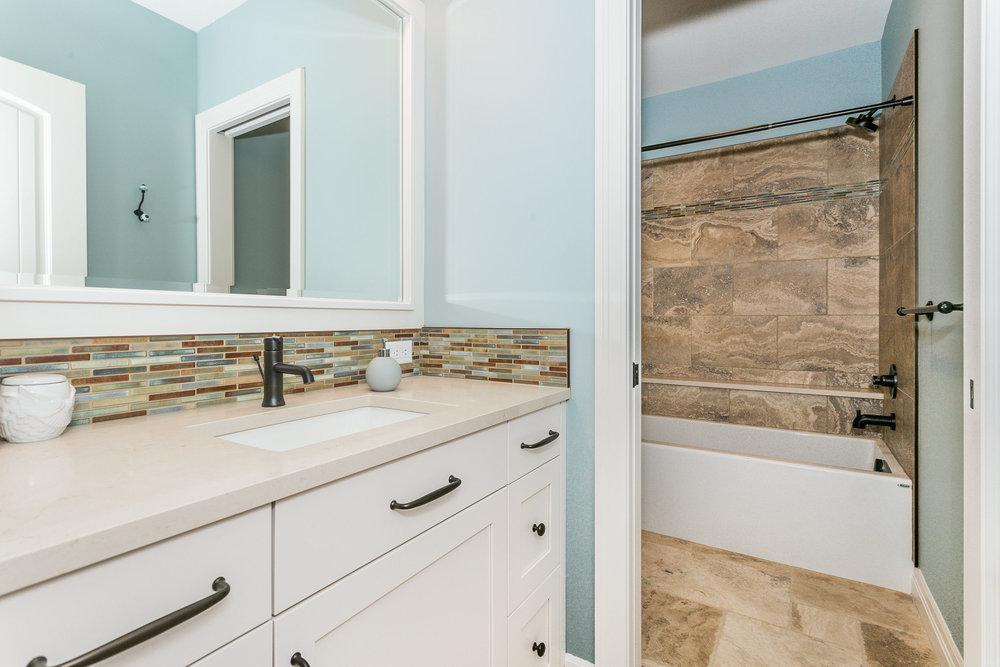 546 Anywhere St Wichita KS-print-051-49-Bedroom 4 Bath-2500x1667-300dpi.jpg