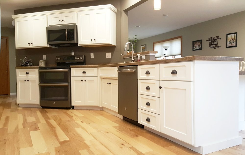 The difference is amazing - Heidi C., Fargo, N.D.I would recommend Kitchen Refresh to anyone wanting to update their kitchen at a very affordable price. The difference is amazing. We were updating additional things in our house as well and they worked great with our contractor, and their timelines, at getting everything done on time for our family!
