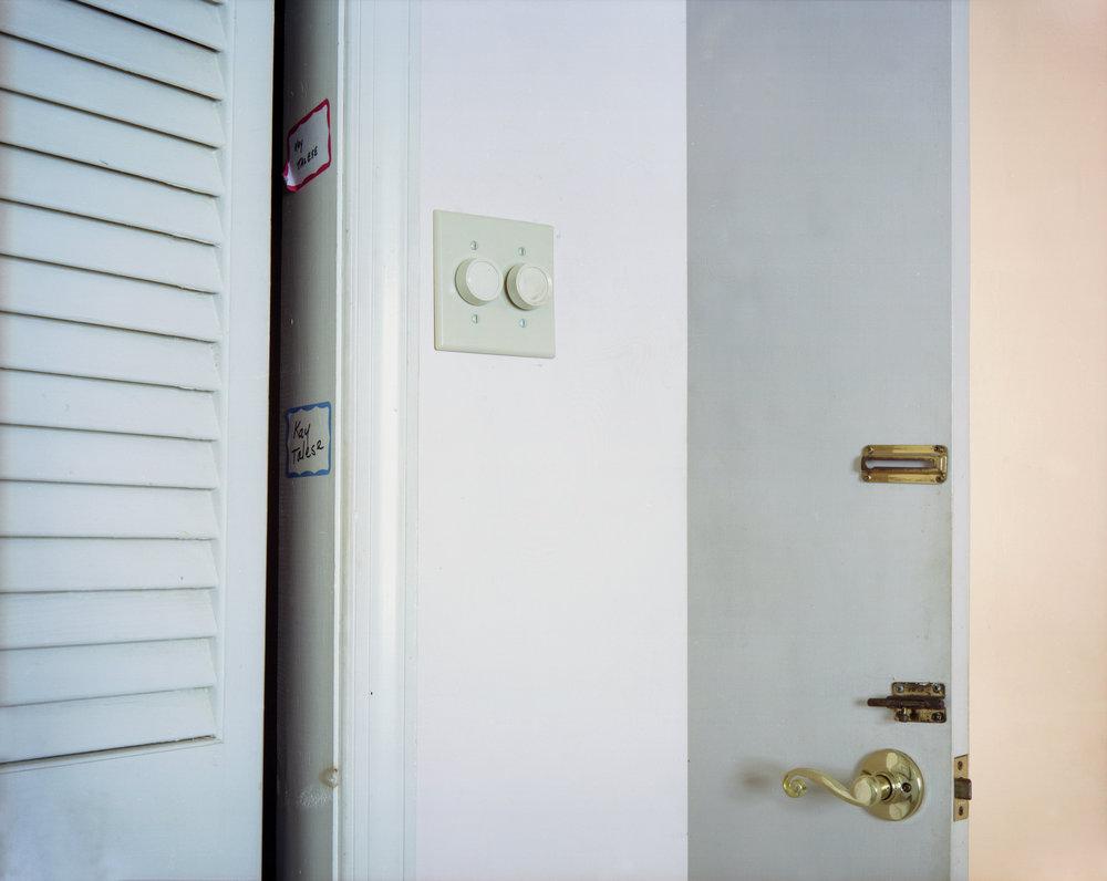 07_Nana-doors-2.jpg