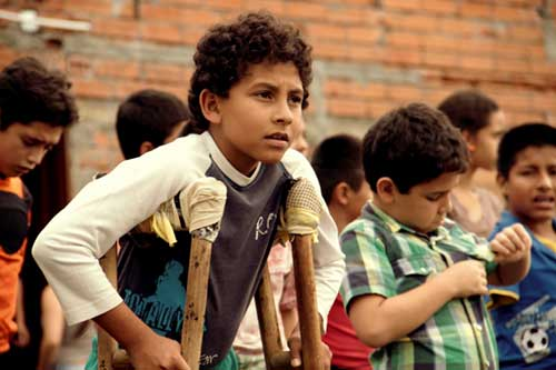 Columbia, 2017 (Spanish with English subtitles) 96 min.   Director: Henry Rincón   Classification: G  Ages: 6+  10 year old Eduardo has lost a leg to a landmine, a victim of the armed conflict in Colombia, but his passion for soccer remains undimmed. With the help of a kind music teacher he and his friends conspire secretly to enter the soccer tournament in the neighboring village, in spite of having to overcome enormous obstacles.