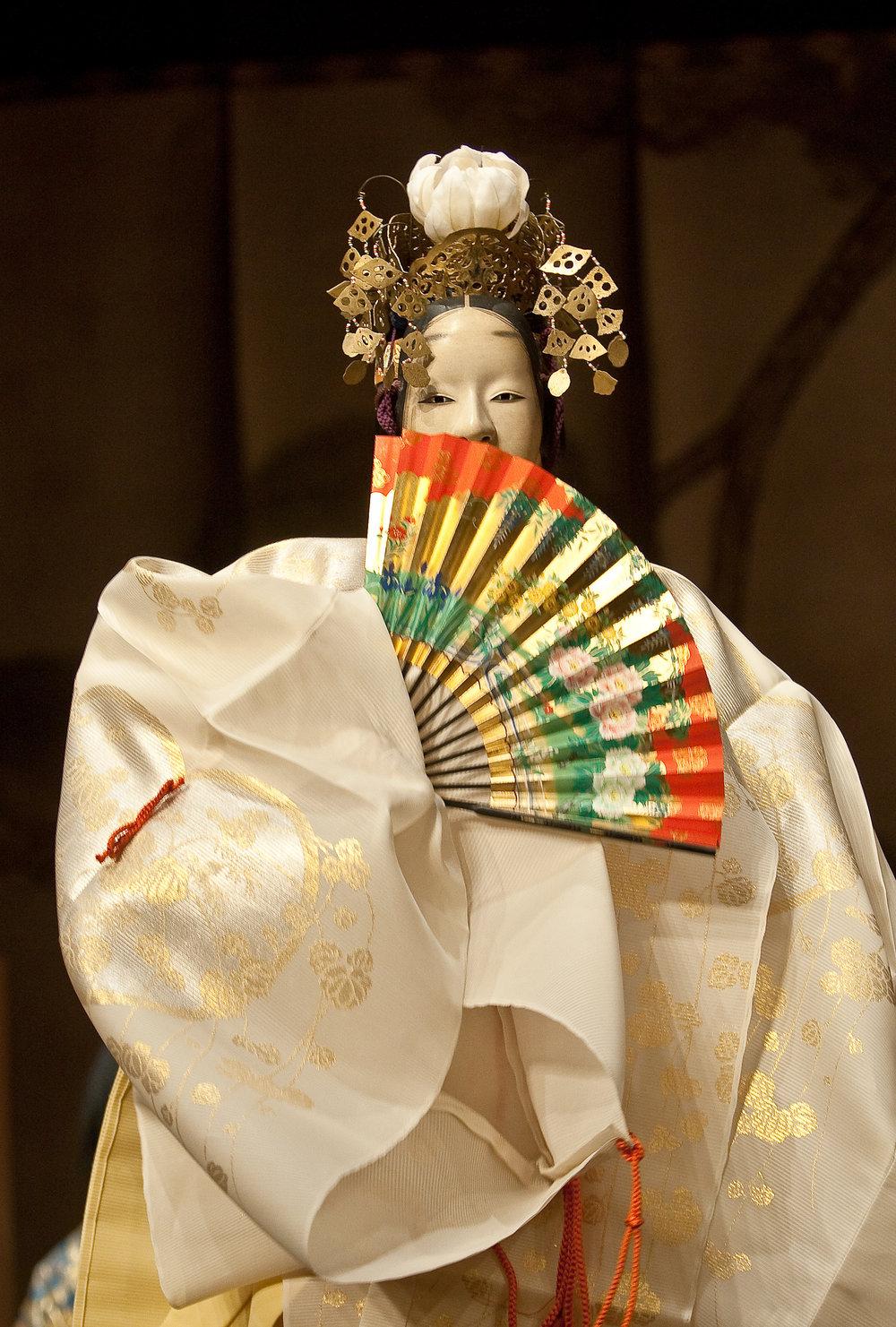 Kinue Oshima as the Pagoda Nochi-shite.Photography by Clive Barda