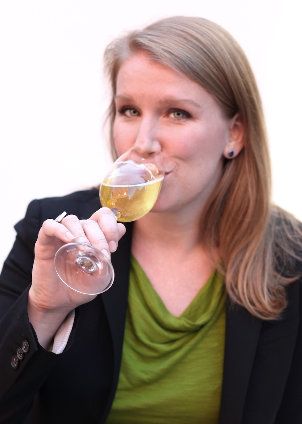 JILL ZIMORSKI, 4.26.19 - Jill Zimorski is a wine industry vet, having been in the business since 2002. She has run beverage programs at some of the country's most prestigious restaurants, and today she is a Champagne Specialist representing wines from the Moët Hennessy portfolio.