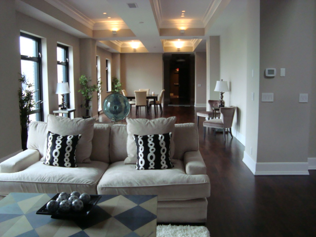 lrg_penthouse living room.jpg