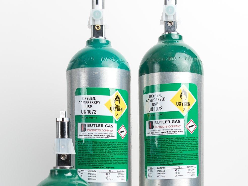 MEDICAL LABELS   Medical cylinder labels and numbered serialized labels.