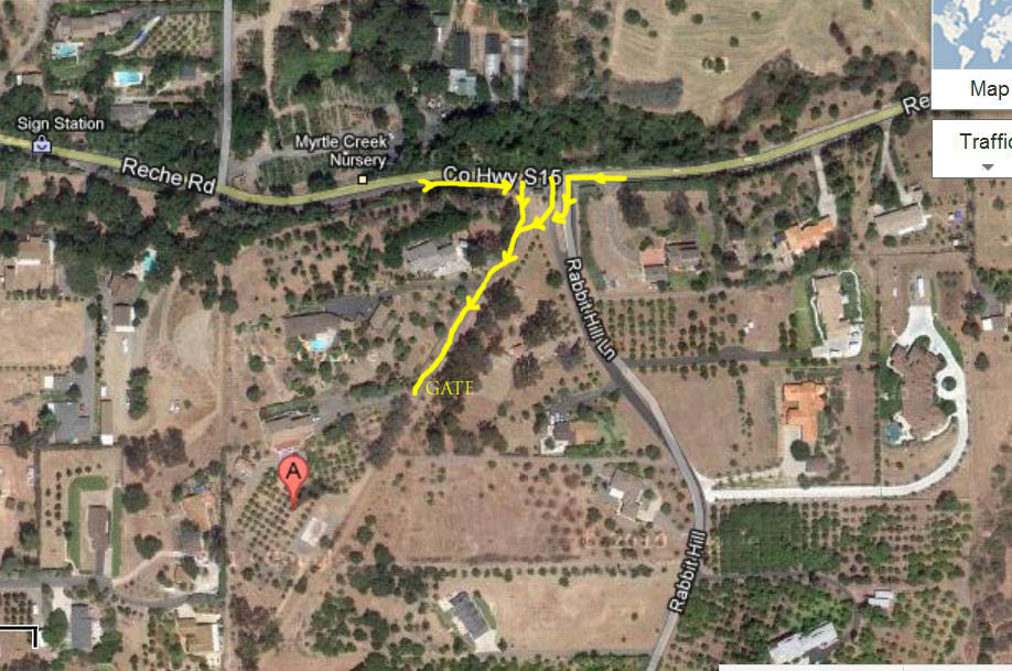 Overhead view of the three options to turn.  Notice that we are NOT on Rabbit Hill Lane, you must go over the median to get to Rabbit Hill Ranch.