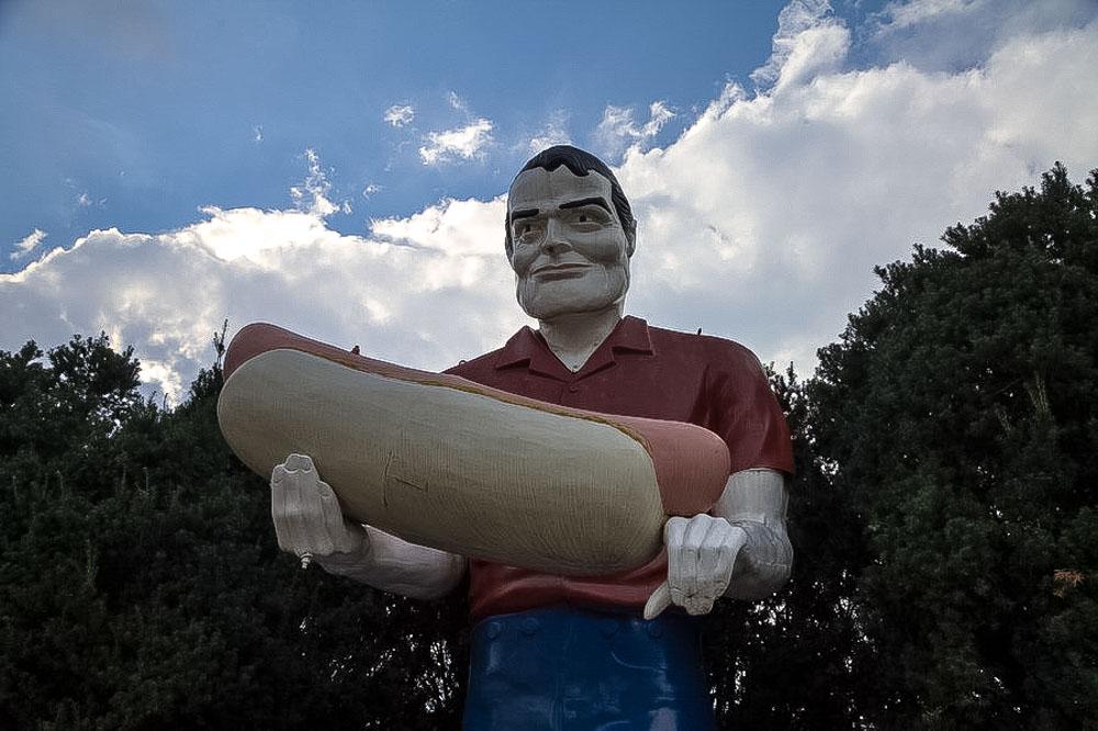 Muffler Man in Atlanta, IL