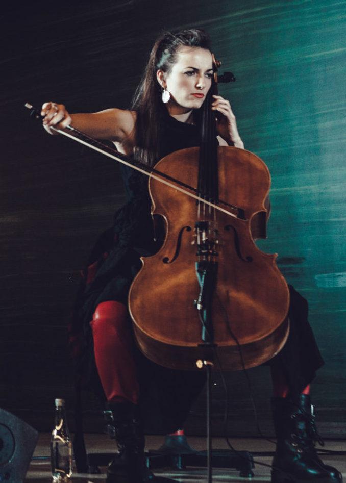 Freya Schack-Arnott