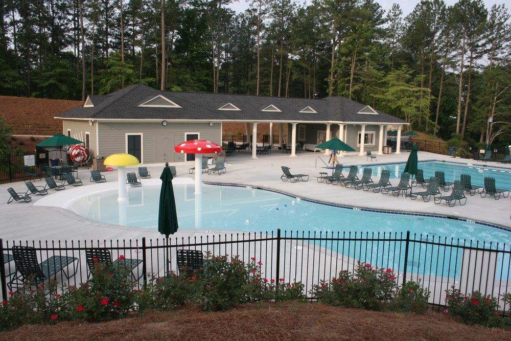 Indian Hills-pool-deck.jpg